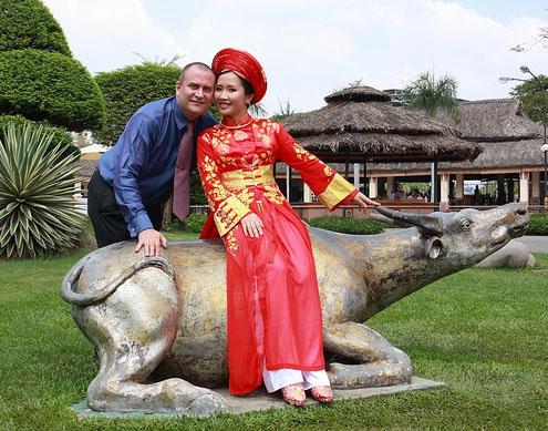 Vietnamská nevěsta v červeném